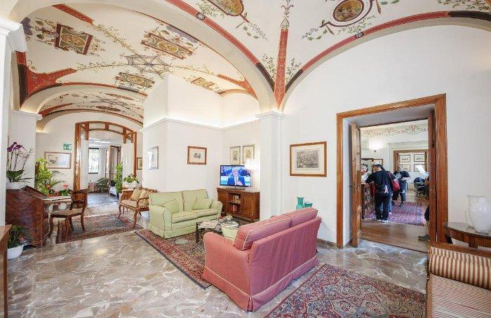 Interiors - Hotel Garden