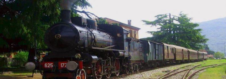 Treno vapore natura Siena