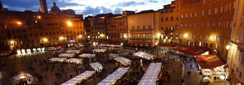 Mercatini di Natale a Piazza del Campo Siena - Siena Inns